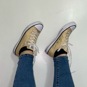White and Gold Low top Converse